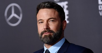 Ben Affleck uses dating rumors to promote charity
