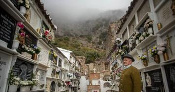 El pueblo que convirtió una iglesia profanada por los franceses en su tumba monumental