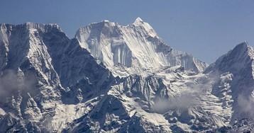 Expulsado un alpinista español cinco años del Himalaya por una expedición pirata en la que murió su compañero