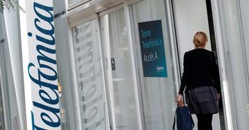 El beneficio de Telefónica cae a la mitad por el coste del plan de bajas laborales