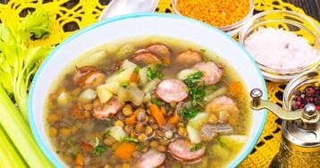 Суп с чечевицей, сельдереем и сосисками
