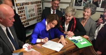 Klobuchar takes aim at Warren, Buttigieg and Biden as she files for NH primary