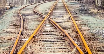 Под Заводоуковском поезд насмерть сбил 37-летнюю женщину, СКпроводит проверку