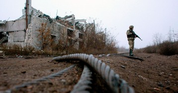 Last Stage of Ukraine Troop Pullback Opens Way for Peace Summit