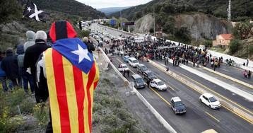 Última hora en Cataluña | Manifestantes independentistas cortan La Jonquera en ambos sentidos