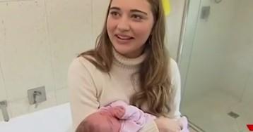 23-летняя модель не подозревала о беременности и внезапно родила в ванной