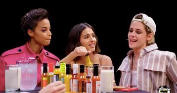 Kristen Stewart brings Ella Balinska and Naomi Scott to crush wings on 'Hot Ones'