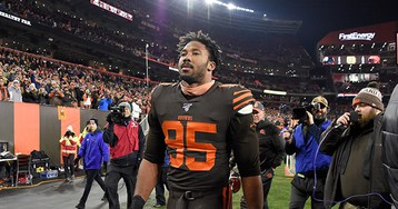 Myles Garrett Gets Indefinite Suspension for Steelers-Browns Brawl, Larry Ogunjobi and Maurkice Pouncey Penalized