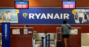 Una juez tumba la política de equipaje de Ryanair que obliga a pagar 20 euros por la maleta de mano