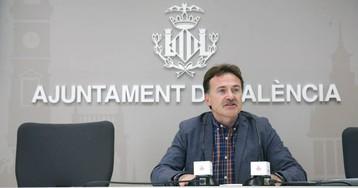 El secretario de la EMT deja el cargo en plena polémica por sus vínculos con el cuñado de Ribó