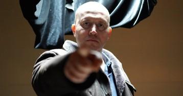 Сергея Бурунова парализовало в финальном трейлере комедии «Полицейский с Рублевки. Новогодний беспредел 2»