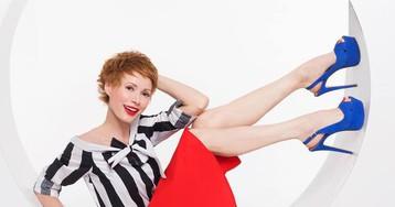 Елена-Кристина Лебедь vs Лина Хиди: телеведущая позирует в образе, как у британской актрисы