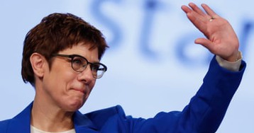 Merkel successor challenges party to back her or sack her