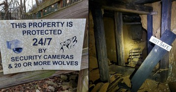 Spooky Signs That Are Scarier Than Intended