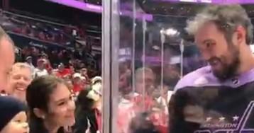 Годовалый сын Овечкина посетил матч отца. Кэп «Вашингтона» мило поприветствовал малыша