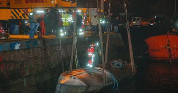 La policía comienza a hacer inventario del alijo del 'narcosubmarino' interceptado en Galicia