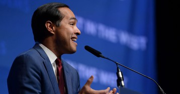 Julián Castro releases plan to combat hunger, including universal free lunch and SNAP expansions