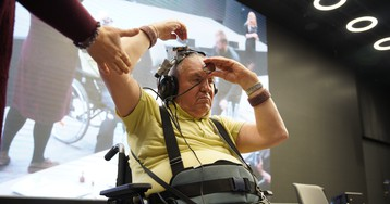 Как слепоглухой профессор в шлемофоне покорил Хакатон-2019