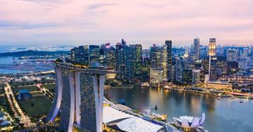 Singapur saca tajada de la crisis de Hong Kong