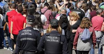 Detenidos por amenazar de muerte y perseguir a dos transexuales por las calles de Valencia