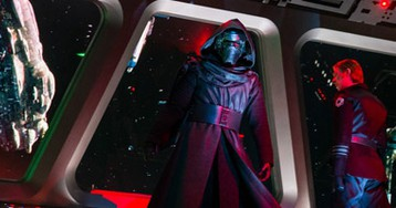 17 New Images from 'Star Wars: Rise of the Resistance' Reveal Kylo Ren Animatronic, BB-8 and More