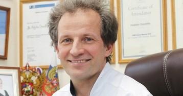 Российский нейрохирург получил премию за уникальный способ удаления опухолей