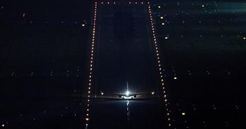 Российских пилотов пытались ослепить лазером при посадке самолета