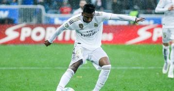 Varane y Benzema liquidan al Espanyol (2-0)
