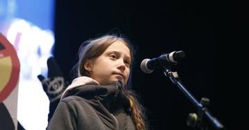 Greta Thunberg se rodea de jóvenes indígenas para darles visibilidad