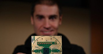 Intel создала криогенный контроллер кубитов. Он упростит архитектуру квантового компьютера
