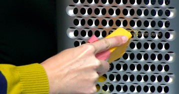 Here's what Apple's $6,000 cheese grater Mac Pro looks like on the inside