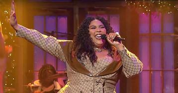 """Lizzo Performed """"Truth Hurts"""" in Custom Dapper Dan for Her 'SNL' Debut"""