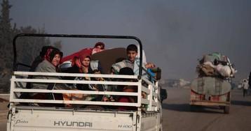 Al menos 25.000 civiles sirios huyen a Turquía por la ofensiva del régimen en Idlib
