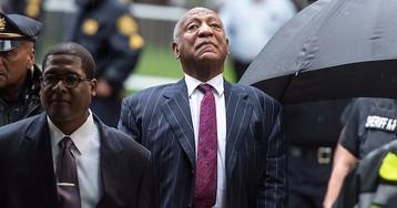 Bill Cosby's Publicist Calls Eddie Murphy a 'Hollywood Slave' Following 'SNL' Monologue Joke