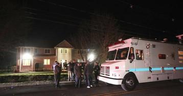 Al menos cinco personas heridas, dos críticas, tras ser apuñaladas en la casa de un rabino en Nueva York