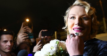 Рената Литвинова попала под колеса машины в центре Москвы