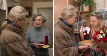 Это был не батон. Керченская чиновница объяснила подарок блокадникам