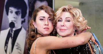 «Прекратите рушить ее жизнь». Любовь Успенская просит отстать от ее дочери