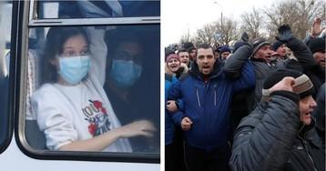 Украинцы встретили эвакуированных из Китая сограждан градом камней