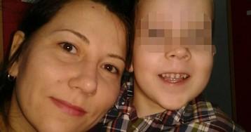 У матери-одиночки забрали ребенка после жалобы на поборы в школе