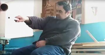 В Татарстане уволили учителя, который упал с парты во время урока