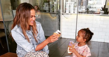 Chrissy Teigen Reveals Daughter Luna 'Hates Photos' — But She'll Pose on Instagram 'for a Quarter or a Sour Patch Kid'!