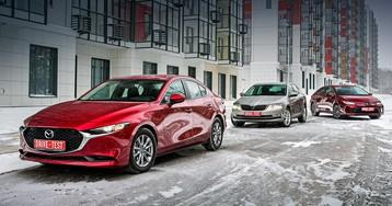 Тест-драйв: Машем из отъезжающей Октавии седанам Mazda 3 и Toyota Corolla