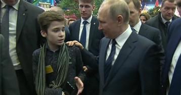 Крестный отец забрал домой сироту, который добрался до Путина ради бабушки