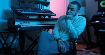 "Stream Mac Miller's New Songs ""Right"" and ""Floating"" Off 'Circles' Deluxe Album"