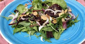 Зеленый салат с дуккой