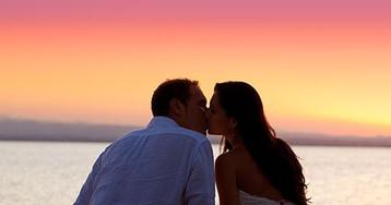 Почему женщины выходят замуж за мужчин старше себя