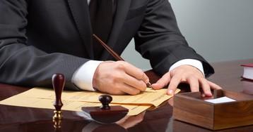 Юристы: кто это и чем они занимаются. Стоит ли учиться на юриста?