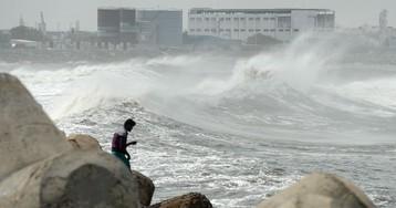 Millions seek shelter as Cyclone Amphan batters India, Bangladesh