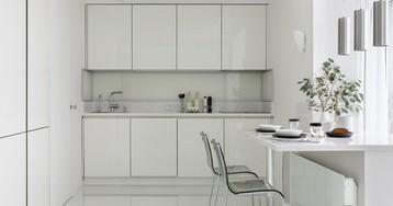 Двухкомнатная квартира, владелица которой любит белый цвет
